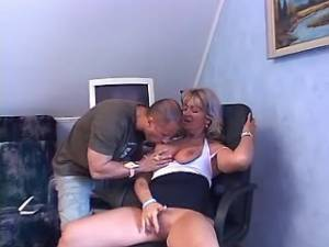 Aged lady sucks appetizing cock and titsfucks
