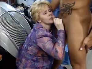 Old lady with hairy pussy gets cum by strong guy