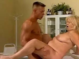 Blond fat granny fucked in hospital