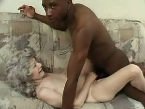 Black guy drilling depraved granny