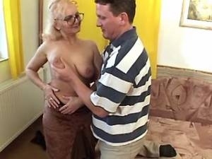 Depraved granny seduces amateur guy with strong cock