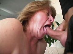 Mature gets licking pussy and sucks