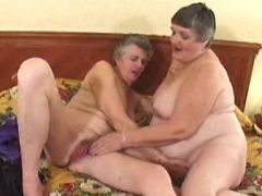 Lesbo grannies have fun with dildo