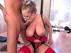 Hot milf gets cumshot on great tits