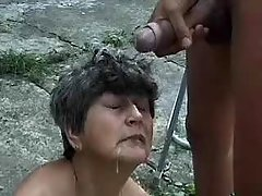 Plump grandma gets DP and cumload outdoor